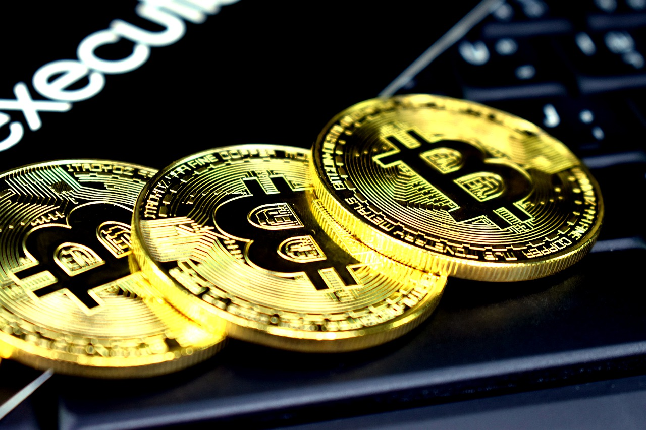 How To Play Online With Bitcoin?